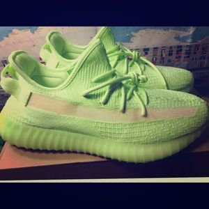 New Adidas Yeezy Boost 350 v2 glow in the dat